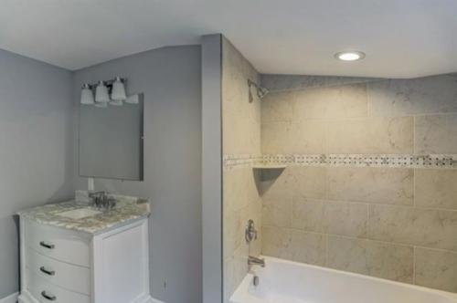 Renovated Full Bath with Tub