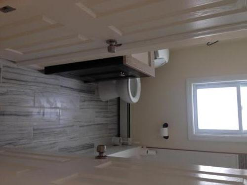 Renovated Full Bathroom